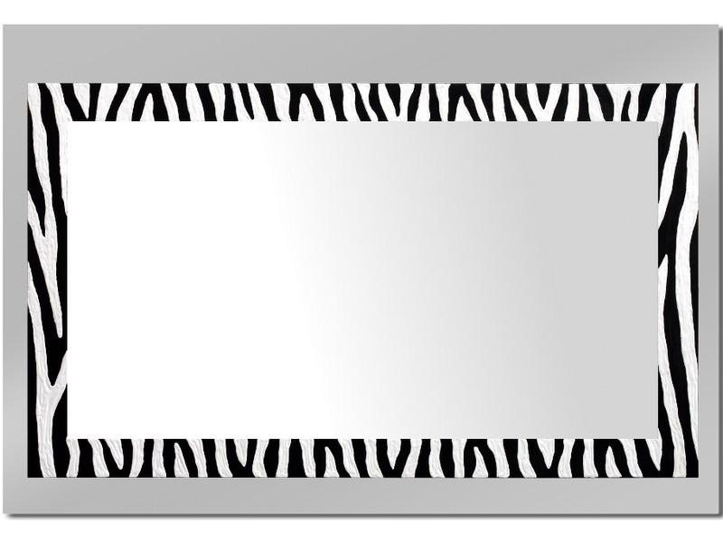 Grote spiegel met houten lijst 112 x 72 cm. L00005R