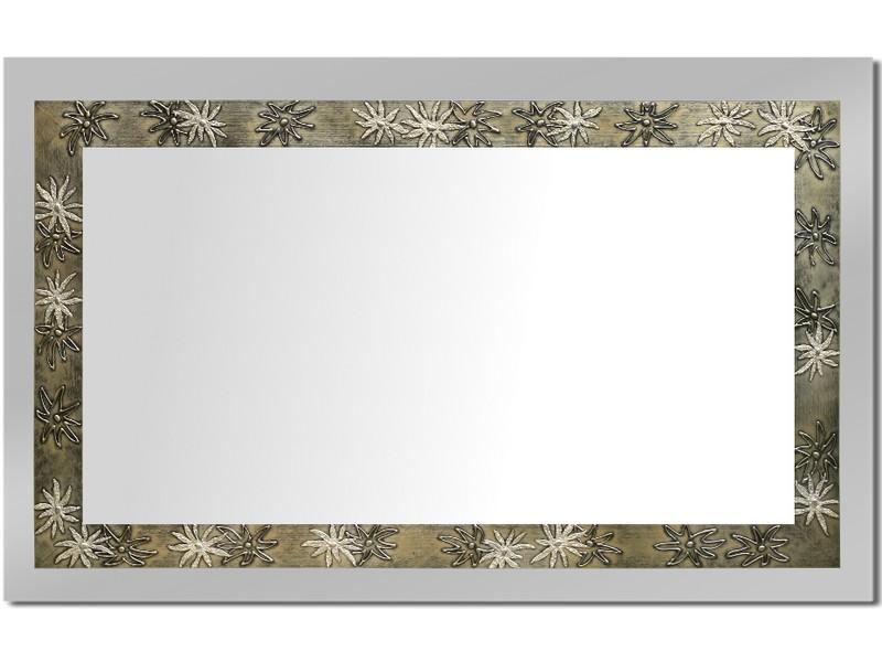 Grote spiegel met houten lijst 112 x 72 cm. L00006R